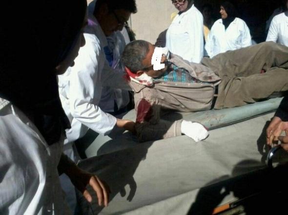 أستاذ بين الحياة والموت بعد طعنه بسكين من قبل تلميذ والجاني في حالة فرار Prof1-590x442