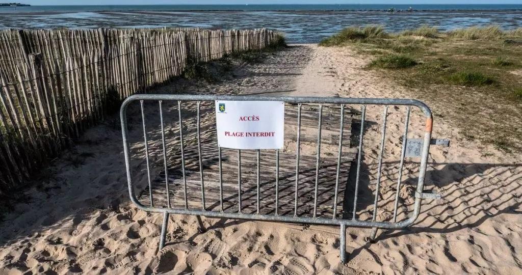سلطات إقليم تستعد لإغلاق عدد من الشواطئ بعد تفشي فيروس كورونا.